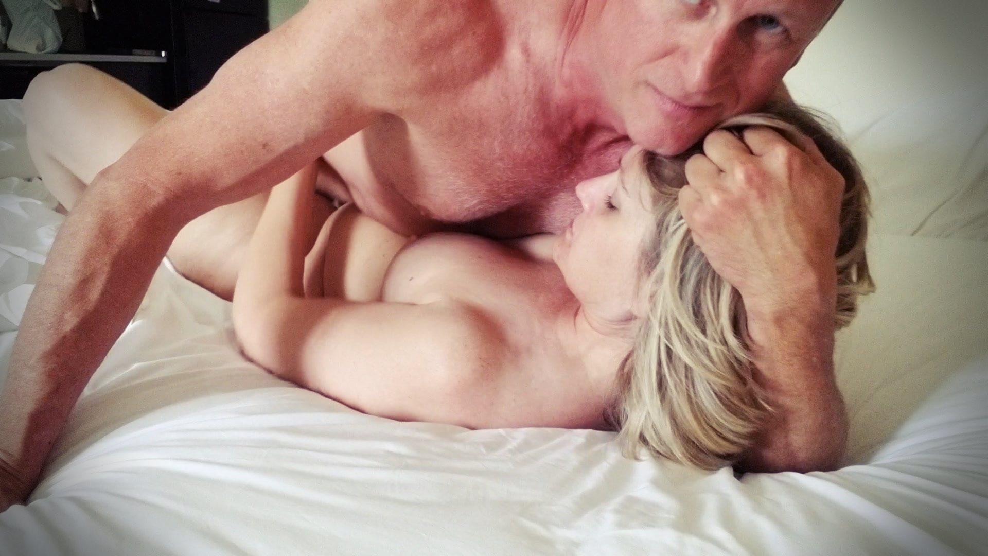 Türkiyeye tatile gelen turist çift porno çekti